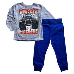 ⭐️ Size 4T Boys Outfit